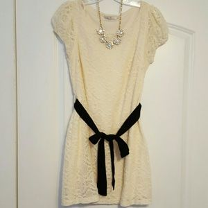 Sleek white lace dress-- wear with or without belt